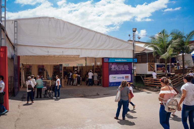1.1. Feria Artesanal de Manizales